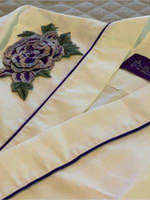 Robe Rêves com Flor Roxa