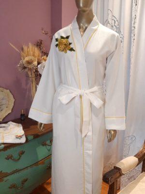 Robe Rêves com Flor Amarela