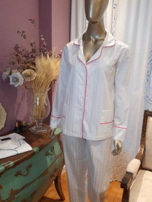 Pijama Maquinetado Branco com Debrum Pink