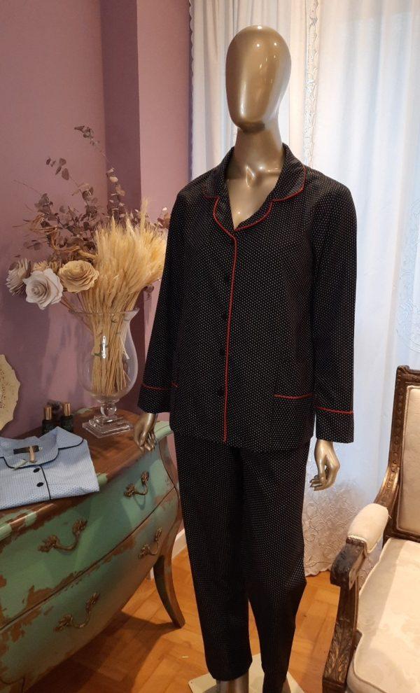 Manequim veste pijama calca e camisa manga longa pois preto