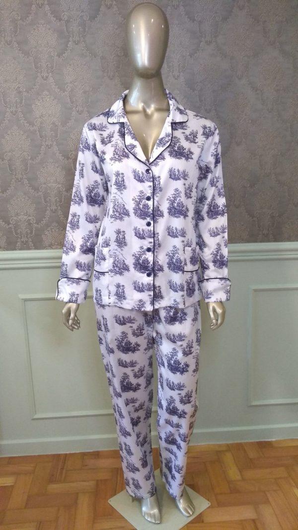 Manequim veste pijama calca e camisa manga longa toile de jouy marinho
